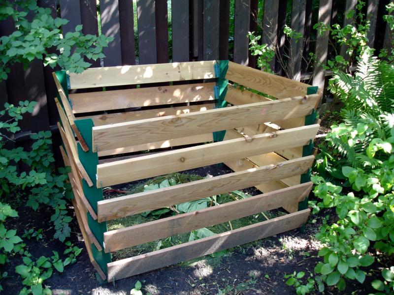 Как правильно сделать садовый компостер своими руками